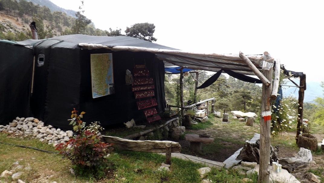 Чайный домик на подъеме к Тахталы