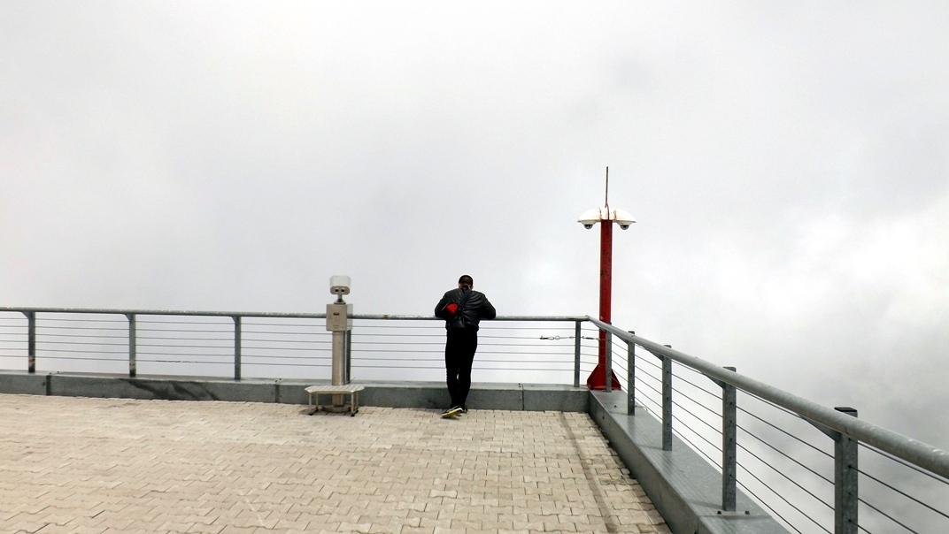Смотровая площадка здания на вершине Тахталы