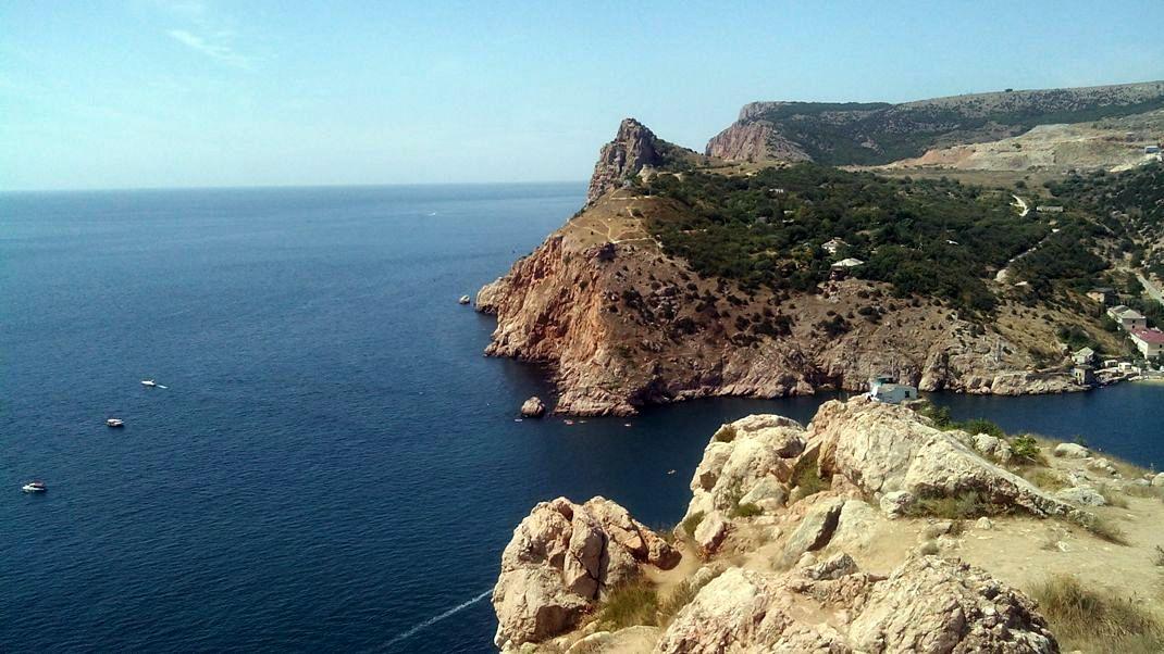 Выход из бухты Балаклавы Крым