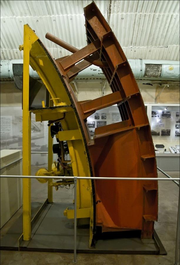 Стена подводнойлодки в разрезе
