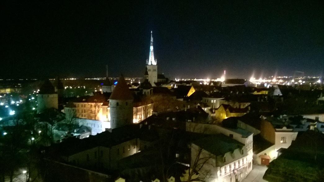 Вид на ночной Таллин