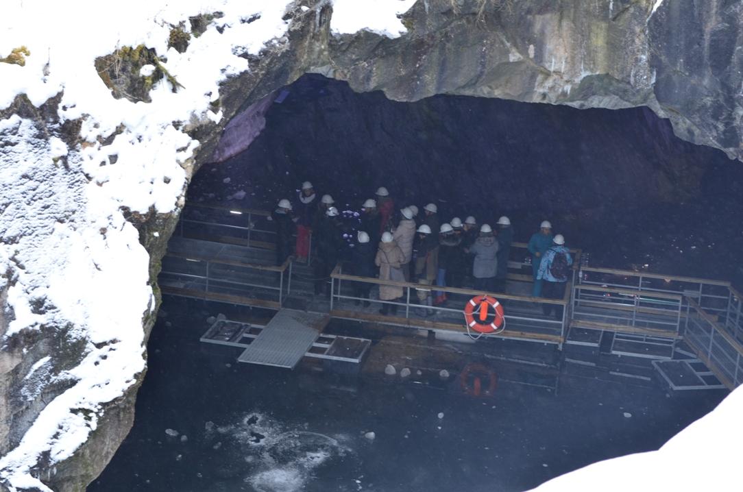 Экскурсия в пещеру у мраморного каньона