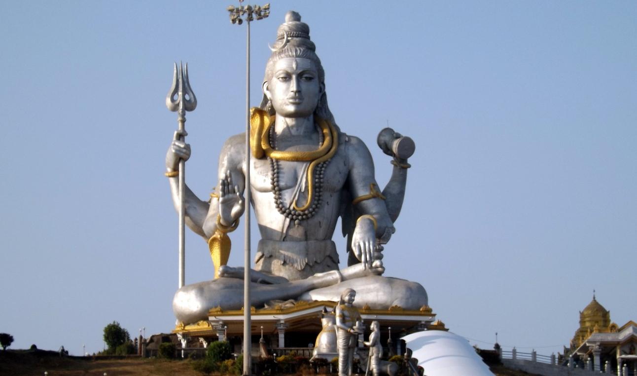 Биг Шива в Мурудешвара, высота 36 метров