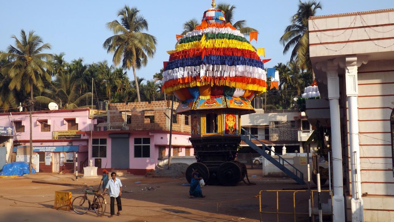 Подготовка к карнавалу в Мурудешвара