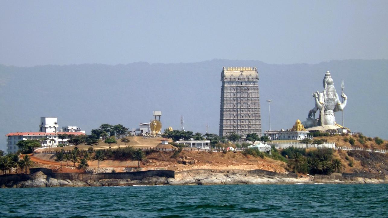 Вид на Мурудешвара с моря
