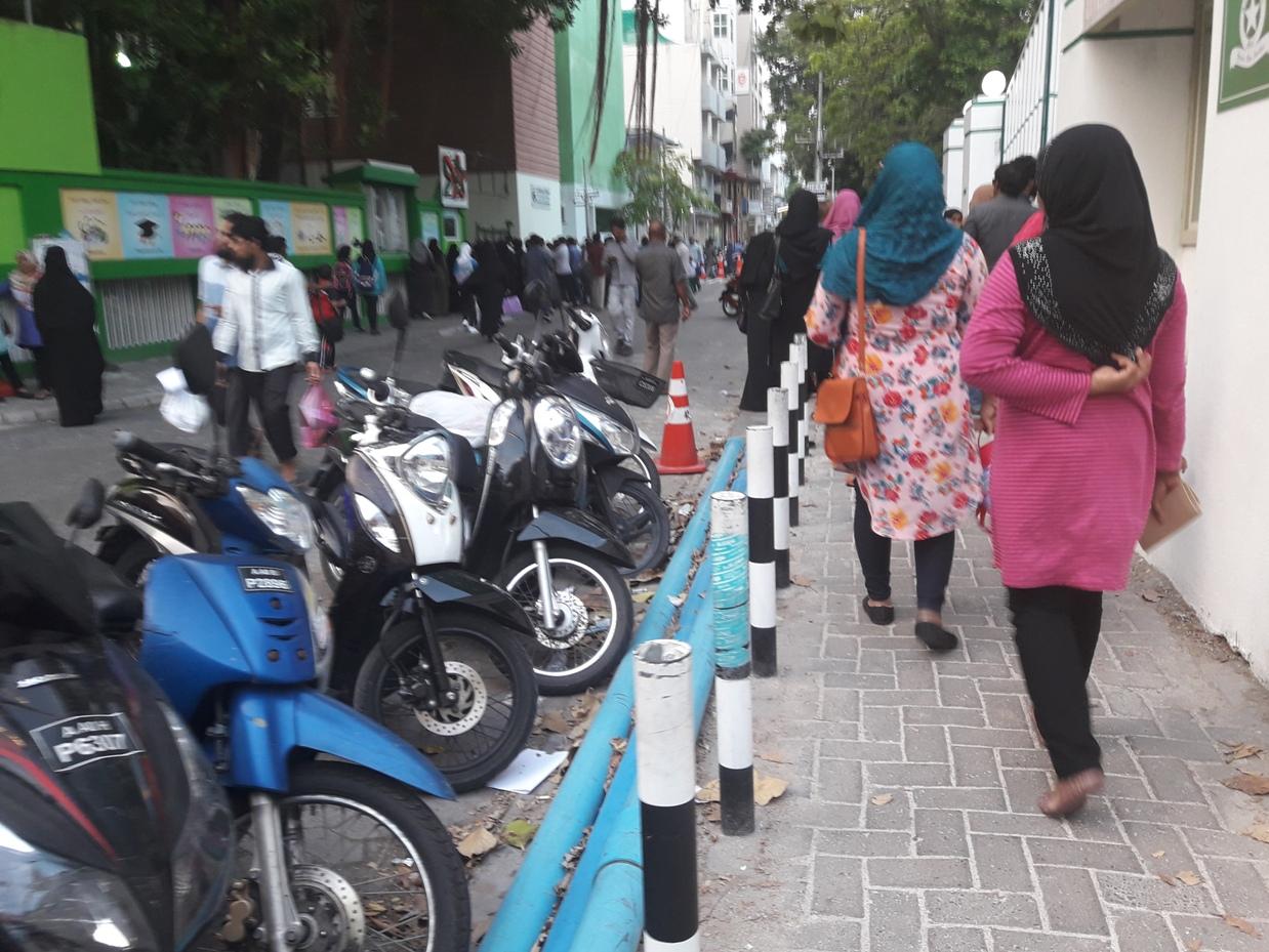Большинство улиц в Мале выглядят вот так