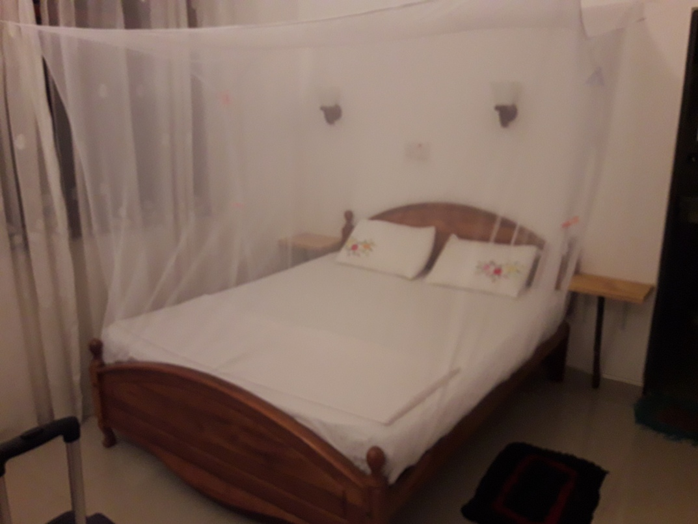 Кровать с пологом от насекомых