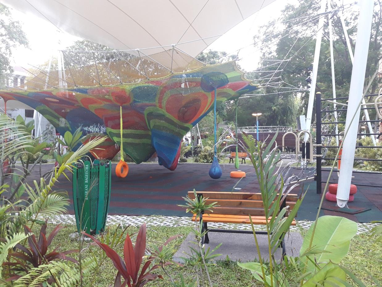 Площадка для детей в Мале