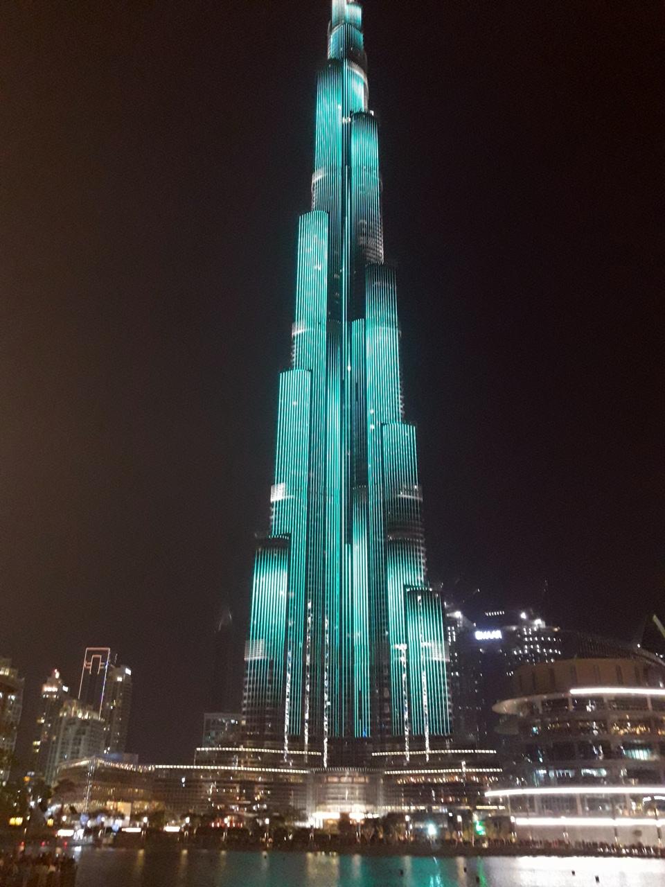 Световое шоу на Бурдж-Халифа