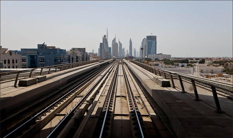 Вид из окна метро Дубай