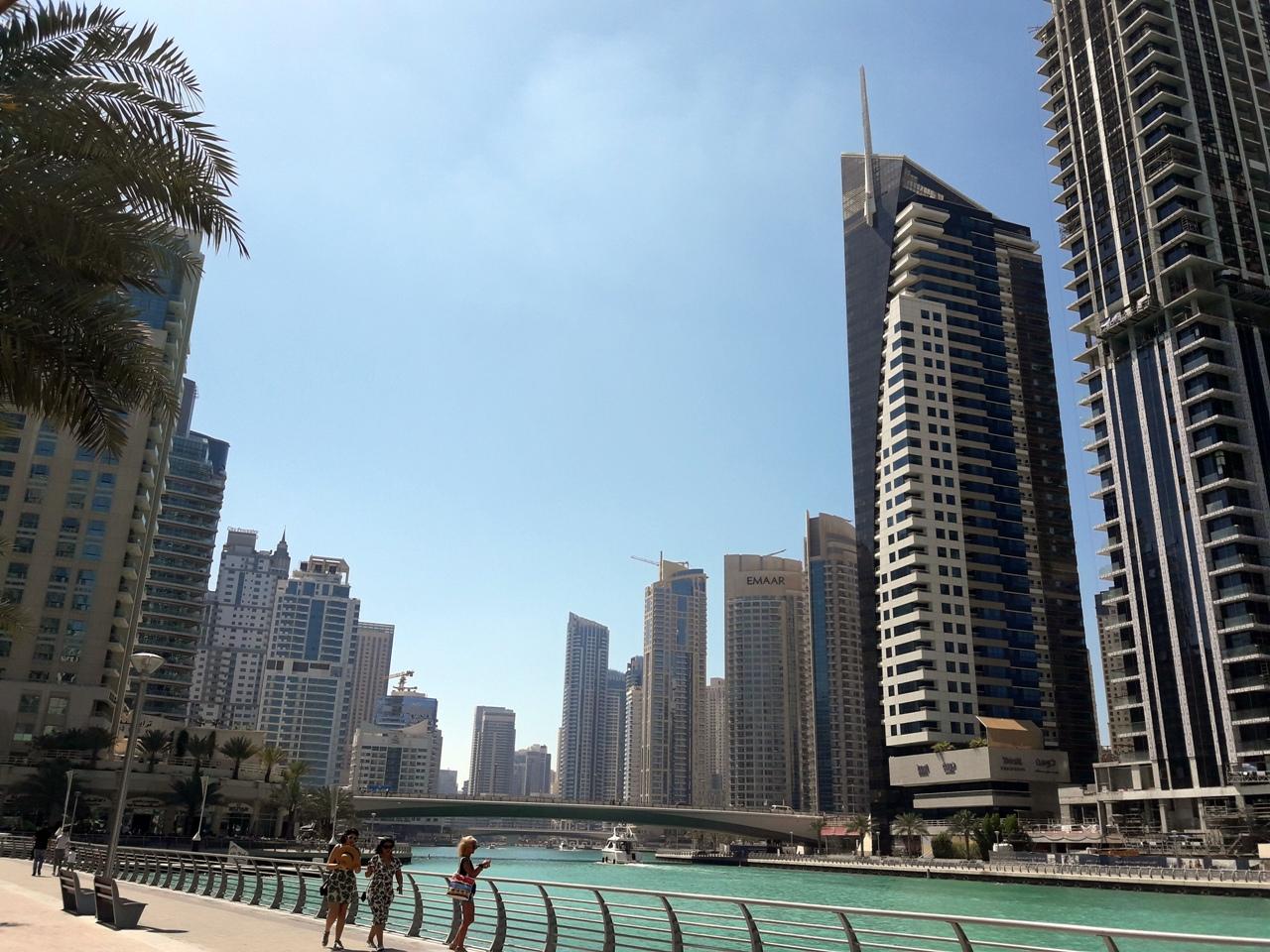 пешеходная зона в Дубай Марина
