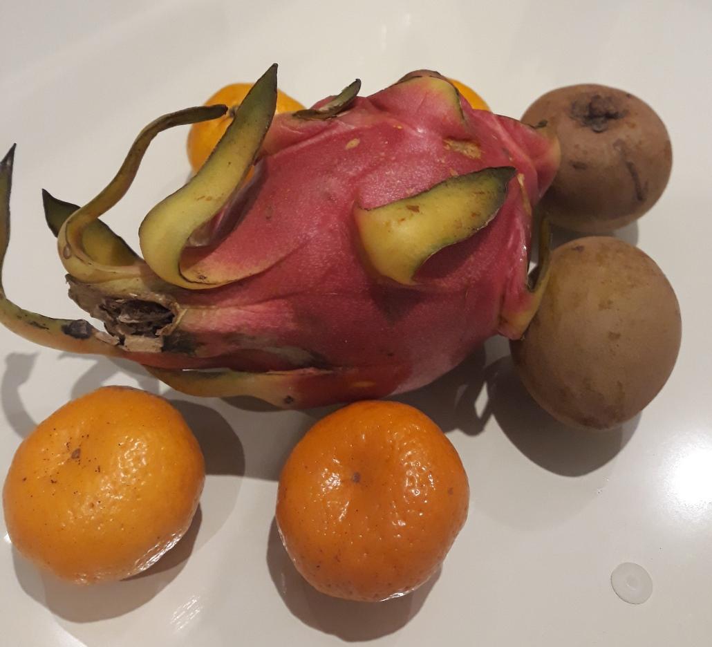 Гипермаркет Lulu фрукты
