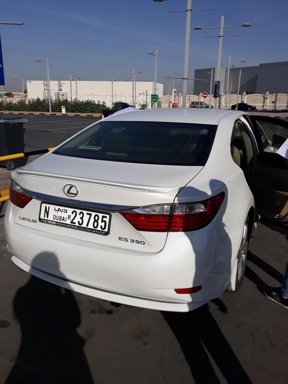 Трансфер в Дубае из аэропорта на лексусе
